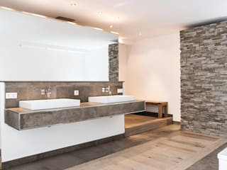 Pientka - Faszination Naturstein Modern style bathrooms
