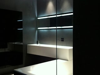 Ernesto Fusco Baños de estilo minimalista Cuarzo Negro