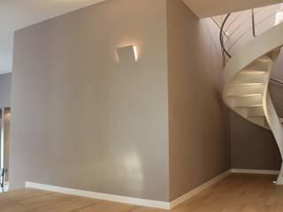 Ernesto Fusco Modern Corridor, Hallway and Staircase Wood Beige