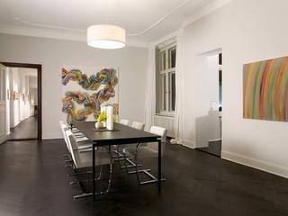 Salones de estilo minimalista de Bollinger + Fehlig Architekten BDA