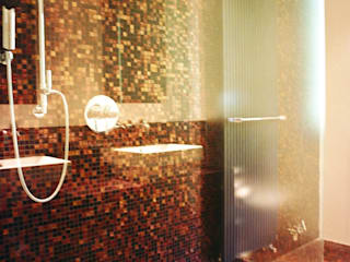Banheiros por Progetti d'Interni e Design