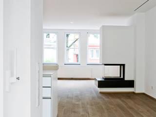 ALTER CHARME NEU BELEBT:  Wohnzimmer von ONE!CONTACT - Planungsbüro GmbH