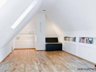 LEBENSRAUM ERWEITERT:  Wohnzimmer von ONE!CONTACT - Planungsbüro GmbH