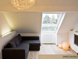 KLEIN UND FEIN:  Wohnzimmer von ONE!CONTACT - Planungsbüro GmbH
