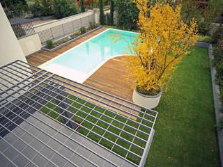 Albercas de estilo  por Massimo Vallotto Architetto