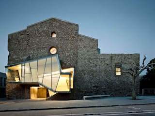 Musei moderni di Dc arquitects Moderno
