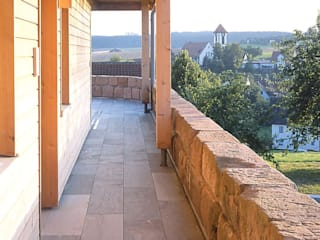 Einfamilien Wohnhaus in Holzständerkonstruktion Moderner Balkon, Veranda & Terrasse von Jarcke Architekten Modern