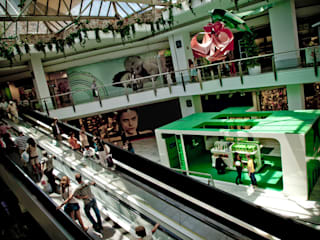 Heineken® Store: Salones de eventos de estilo  de LabMatic Estudio