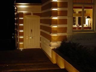 Private Villa Casas de estilo clásico de list lichtdesign - Lichtforum e.V. Clásico