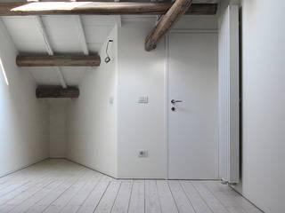 Favela Chic Camera da letto di Bertolone+Plazzogna Architetti