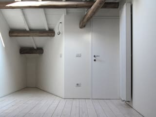 臥室 by Bertolone+Plazzogna Architetti,