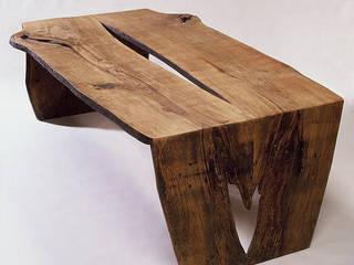 Antikes Holz: moderne Esszimmer von Hanssen+Eltermann