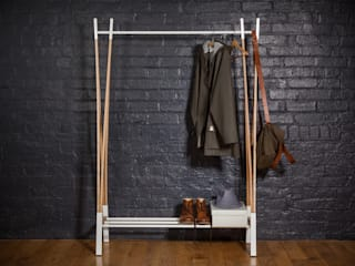 Kaori Clothes Rail من Raskl. Design Studio & Workshop