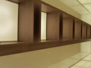 Ernesto Fusco Oficinas y tiendas Derivados de madera Beige