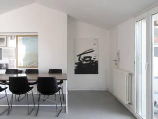 Casa EG: Negozi & Locali commerciali in stile  di Nuovostudio Architettura e Territorio