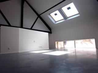 Loft P Salon moderne par Allegre + Bonandrini architectes DPLG Moderne