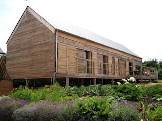 Casas de estilo  de Allegre + Bonandrini architectes DPLG