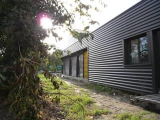 Maison DC Maisons industrielles par Allegre + Bonandrini architectes DPLG Industriel