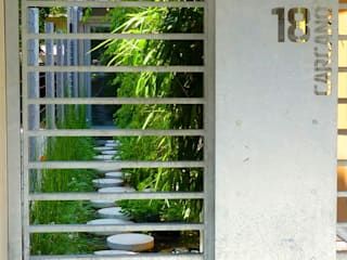 Windows & doors  by CRISTINA MAZZUCCHELLI GREEN DESIGN