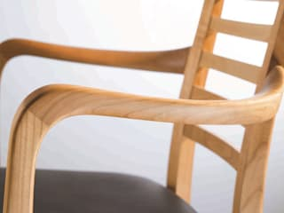 Esszimmer / Tische: modern  von Lignum Möbelmanufaktur GmbH,Modern