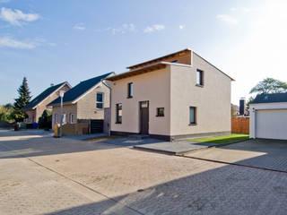 Haus_S: moderne Häuser von Architekturbüro Sengstock