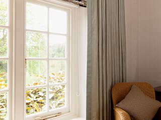 Bespoke Curtains & Blinds:  Bedroom by Elizabeth Bee Interior Design