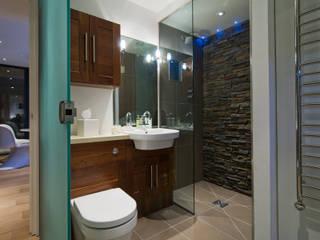 Baños de estilo moderno por Boutique Modern Ltd