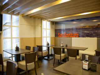 backlight y banco corrido de Oscar Santomé Diseño Moderno