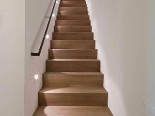 casa A2 Ingresso, Corridoio & Scale in stile moderno di vps architetti Moderno