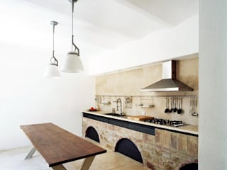 A1 house Modern kitchen by vps architetti Modern