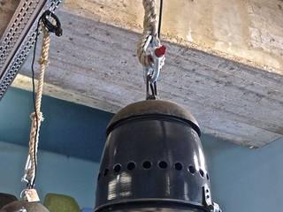 Möbel/Industrie-Leuchten Vintage.: industriell  von func. functional furniture ,Industrial