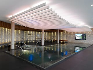 Private wellness area Modern spa by Tobias Link Lichtplanung Modern