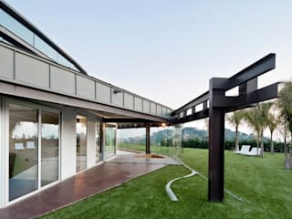 Casas de estilo  por MIAS Architects
