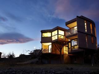 Casa Mariposa en Besalú: Casas de estilo  de MIAS Architects