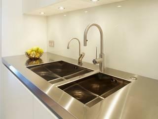 New Crane Wharf Modern style kitchen by TLA Studio Modern