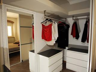 Bedroom by LB Design e Allestimenti