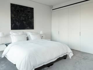 modern  by TLA Studio, Modern