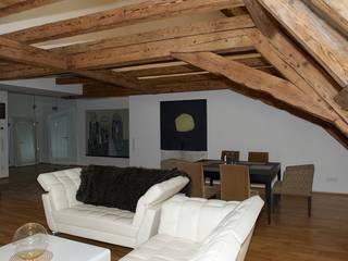 Dachgeschoss Zentrum Ausgefallene Esszimmer von Elke Altenberger Interior Design & Consulting Ausgefallen