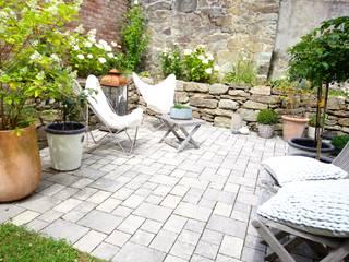 Outdoor - Butterflystühle auf der Terrasse:  Terrasse von raumatmosphäre pantanella