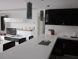 Modern houses by Empresa constructora en Madrid Modern