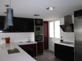 Casas modernas: Ideas, diseños y decoración de Empresa constructora en Madrid Moderno