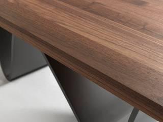 tavolo Bree e Onda di Marco Savorgnani + Fabio Passon Moderno