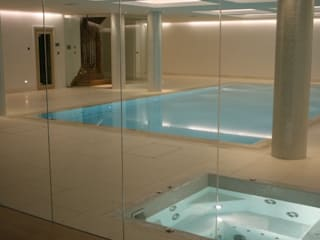 ​Underground Wellness Area Piscine moderne par London Swimming Pool Company Moderne