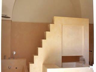 Via Chiesa 5 Bagno in stile mediterraneo di Studio Ricciardi Architetti Mediterraneo