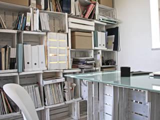 novemetriquadri: Studio in stile  di manuarino_architettura+design