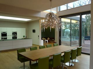 Modern dining room by Bolz Licht und Wohnen · 1946 Modern