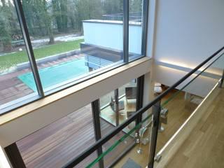Villa in Saarbrücken:  Flur & Diele von Bolz Licht & Wohnen