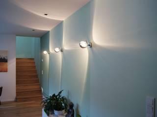 Bolz Licht und Wohnen · 1946 Pasillos, vestíbulos y escaleras modernos