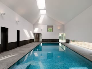 ​Minimalist Pool Piscine moderne par London Swimming Pool Company Moderne