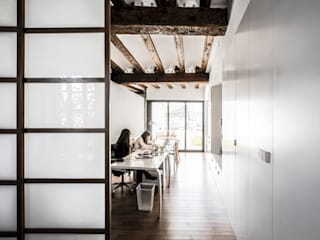 Estudios y oficinas modernos de versea arquitectura Moderno